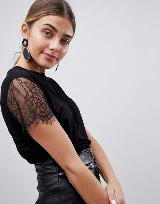 PrettyLittleThing Lace Sleeve T-Shirt
