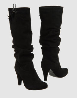 VIC High-heeled boots