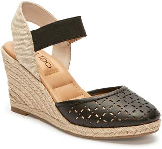 Me Too Bess Wedge Sandal