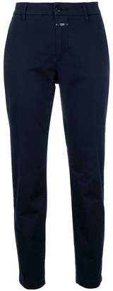 Closed slim fit trousers