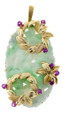 Vintage 18K Yellow Gold Jadeite Jade & Ruby Hand Carved Floral Pendant