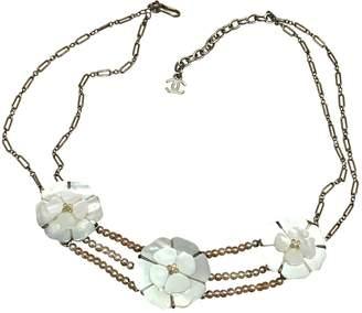 Chanel Camélia necklace