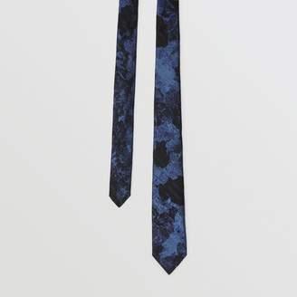 Burberry Slim Cut Dreamscape Wool Silk Jacquard Tie