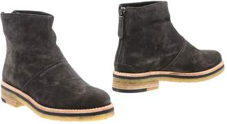 Zinda Ankle boots