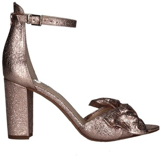Vince Camuto Sandals - Item 11627068FT