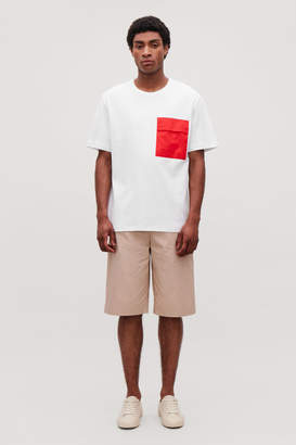 Cos T-SHIRT WITH CONTRAST POCKET