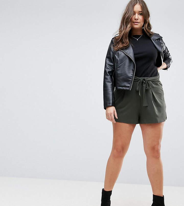 – Falten-Shorts mit Bindegürtel