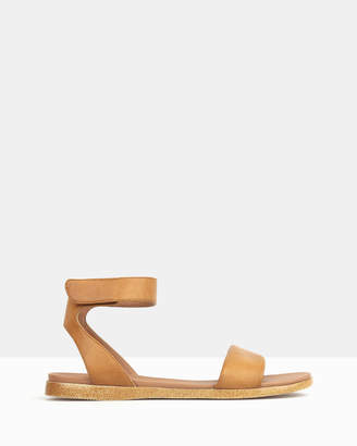 betts Naples Footbed Sandals