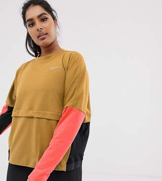 Nike Running Plus Thermasphere Sweatshirt In Gold And Pink