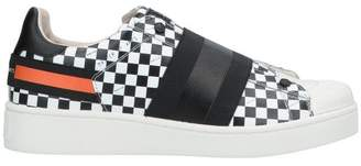 MOA MASTER OF ARTS Low-tops & sneakers