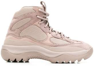 Yeezy Desert Boots 35