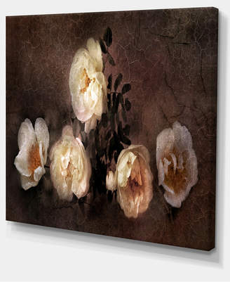 """Designart Wild Roses In Old Painting Style Floral Art Canvas Print - 40"""" X 30"""""""