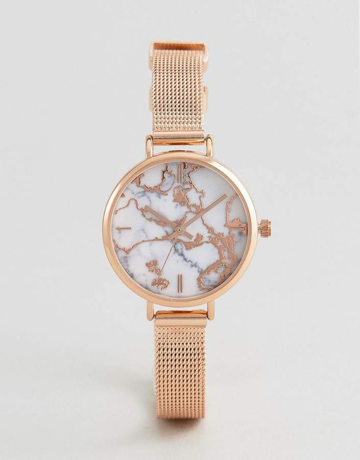 – Hochwertige Uhr mit Netzband in marmorierter Metallic-Optik