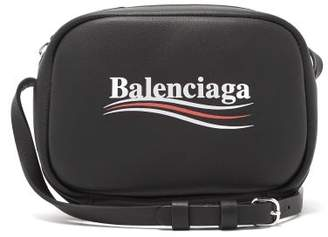 Balenciaga Everyday Leather Cross Body Bag - Womens - Black