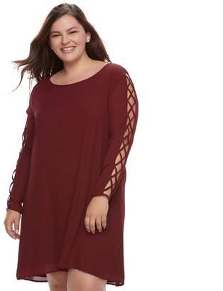 Juniors' Plus Size Liberty Love Lace-Up Sleeve Shift Dress