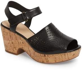Clarks R) Maritsa Nila Platform Sandal