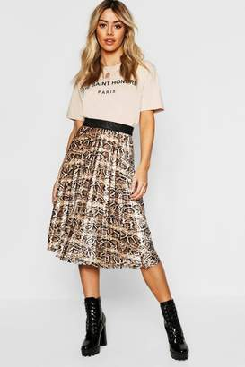 boohoo Petite Velvet Snake Print Pleated Midi Skirt