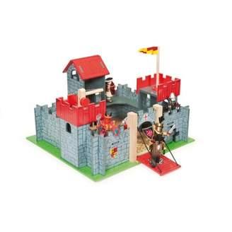 Le Toy Van Camelot Castle