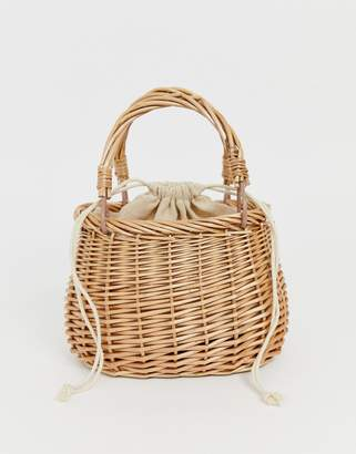 Hat Attack straw clasic basket bag