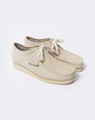 Clarks Wallabee Off White
