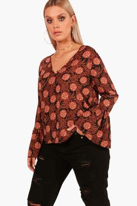 boohoo Plus V Neck Flute Sleeve Top