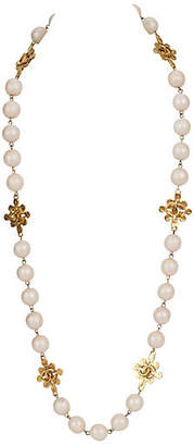One Kings Lane Vintage Chanel Pearls & Clovers Sautoir Necklace - Vintage Lux