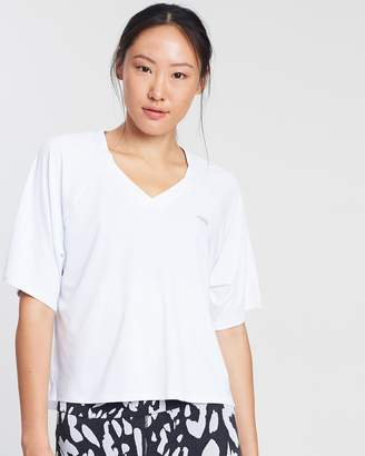 Running Bare Double Play Cropped Tee