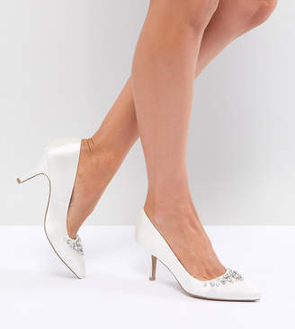 Qupid Bridal Embellished Pointed Heels