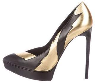 Saint Laurent Classic Janis Lightning Bolt Pumps