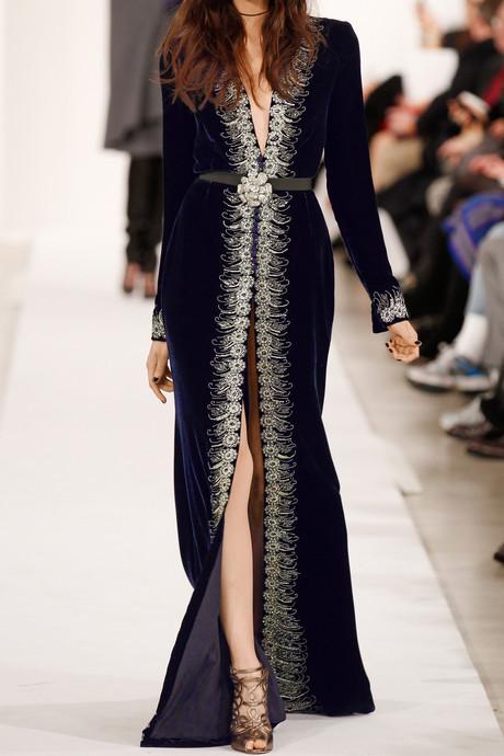 Oscar de la Renta Embellished velvet gown