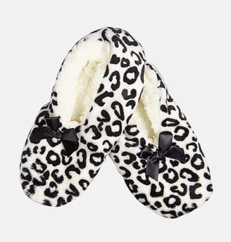 Avenue Black and White Snowflake Luxe Slippers