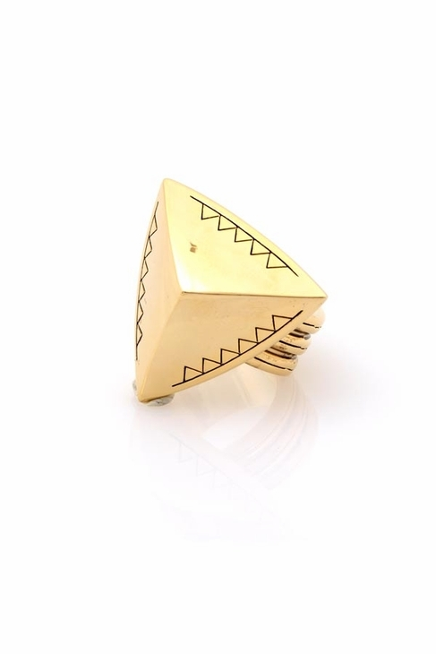 House Of Harlow Faceted Pyramid Cocktail Ring in Yellow Gold