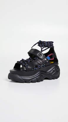 Buffalo London Elin Classic Kicks Sandals
