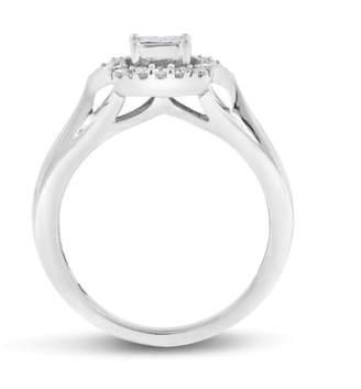 10k White Gold 0.25ct. Diamond Illusion Set Halo Promise Ring Size 4.5