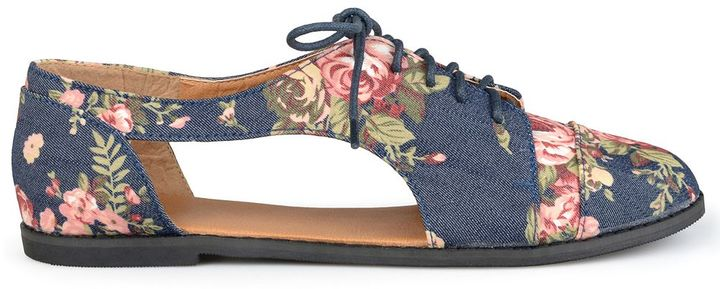 Journee Collection Messina Women's Cutout Oxford Shoes