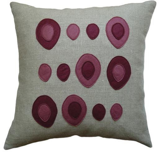 Balanced Design - Eggs Pillow
