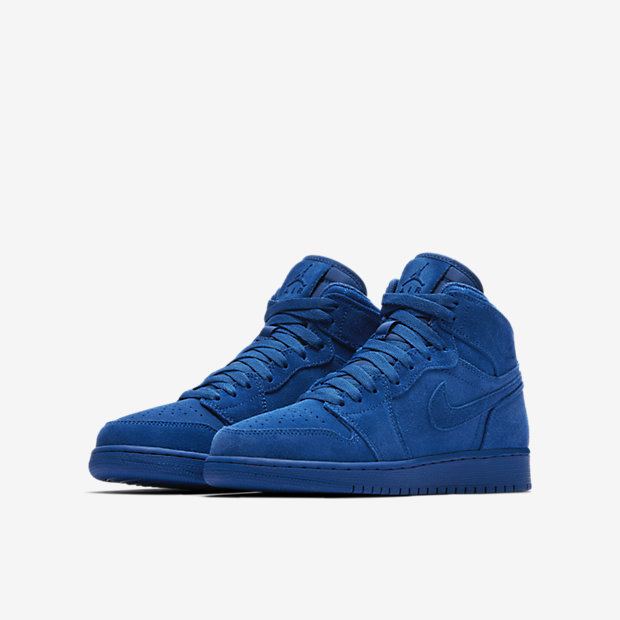 Air Jordan 1 Retro High Big Kids' Shoe 3