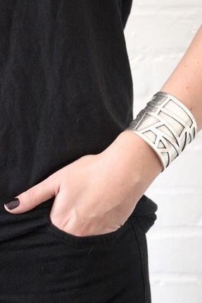Low Luv x Erin Wasson by Erin Wasson Mosaic Cuff in Silver