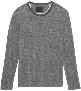Banana Republic Heritage Long-Sleeve Heathered Henley T-Shirt