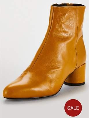 Office Around Round Heel Ankles Boots - Brown