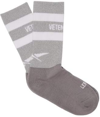 Vetements X Reebok Reflective Print Logo Socks - Womens - Grey