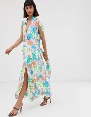 d401ea55 Asos Design DESIGN plunge neck modern maxi dress with cape sleeves in  floral print