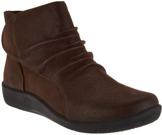 Clarks CLOUDSTEPPERS by Ruched Ankle Boots - Sillian Sway