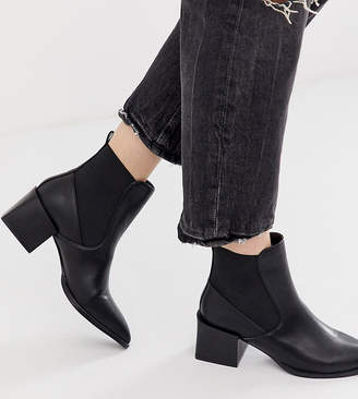 Raid RAID Exclusive Lucinda black chelsea boots with block heel