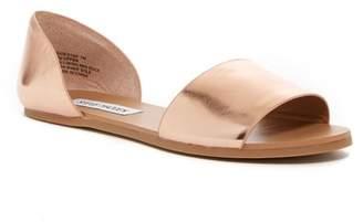 Steve Madden Sidestep Sandal $79.99 thestylecure.com