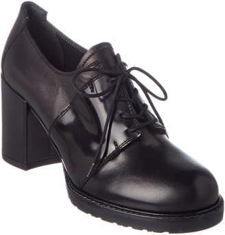 Stuart Weitzman Saddled Leather Oxford