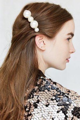 Mixed Pearl Hair Comb $12 thestylecure.com