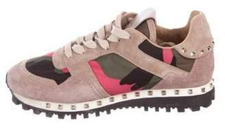 Valentino Rockrunner Rockstud Sneakers
