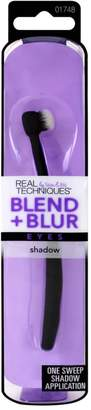 Real Techniques Blend and Blur eye shadow brush