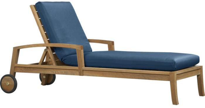 Trovata Chaise/Cushion